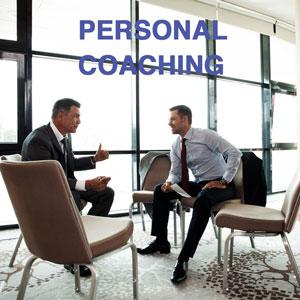 Een executive coach is in personal coachingsgesprek met een hoog opgeleide medewerker